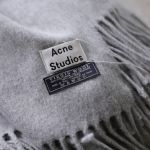 #Outfit│東京旅遊穿搭分享!Acne Studios 100%羊絨笑臉毛帽(Pansy Wool Hat)+大圍巾( ...